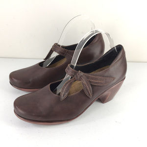 Naot Brown Leather Mary Jane Heels Pumps 9 EUR 40